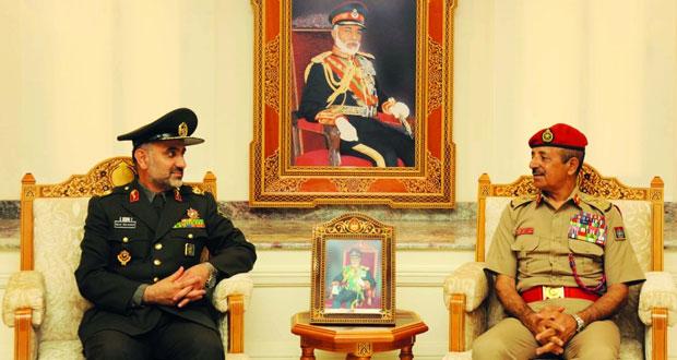 رئيس أركان قوات السلطان المسلحة يستقبل وفداً عسكرياً ايرانياً