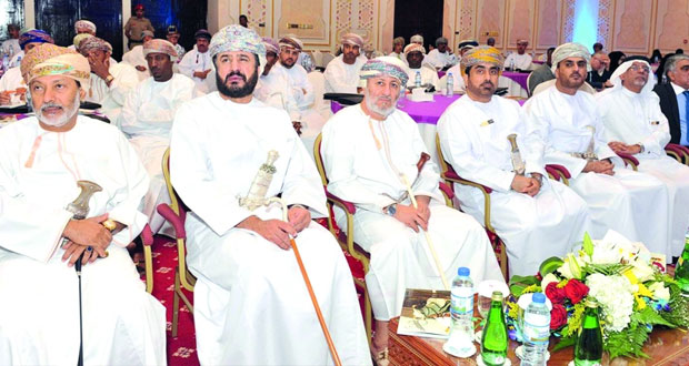 وزير الدولة و محافظ ظفار يفتتح حلقة العمل الخليجية حول تصميم البرامج الاجتماعية وقياس مؤشراتها