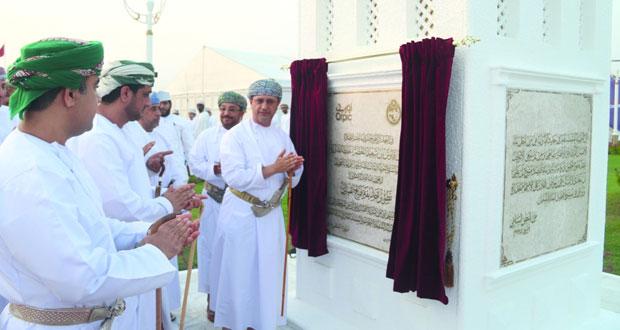الأمين العام للمجلس الأعلى للتخطيط يفتتح حديقة فلج القبائل العامة بتكلفة مليون ريال عماني