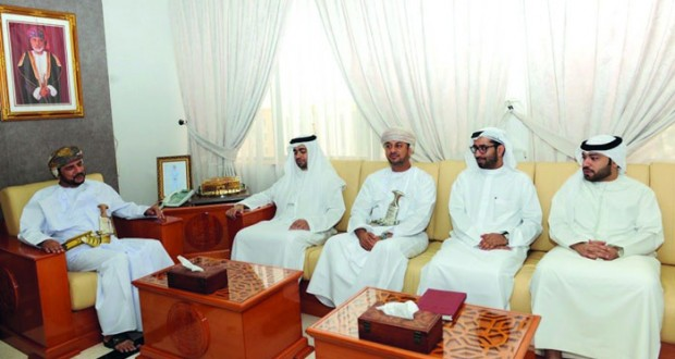 رئيس بلدية ظفار يلتقي بالوفد القضائي الإماراتي