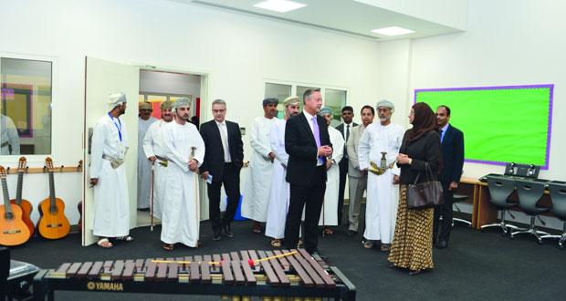 وزيرة التعليم العالي ترعى حفل افتتاح مدرسة السُعد العالمية بالسيب