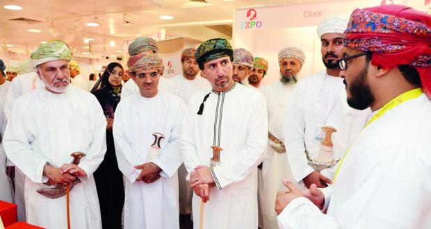 وكيل النفط والغاز يفتتح معرض الاكسبو العماني 2016م لطلبة البعثات الخارجية