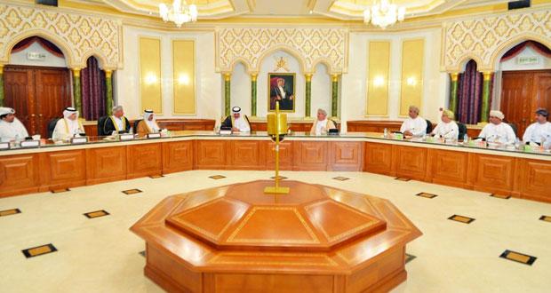 وفد قطري يطلع على تجربة بلدية مسقط فـي مجال العمل البلدي