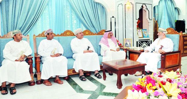 وزير الدولة ومحافظ ظفار يستقبل رئيس جهاز إذاعة وتلفزيون الخليج