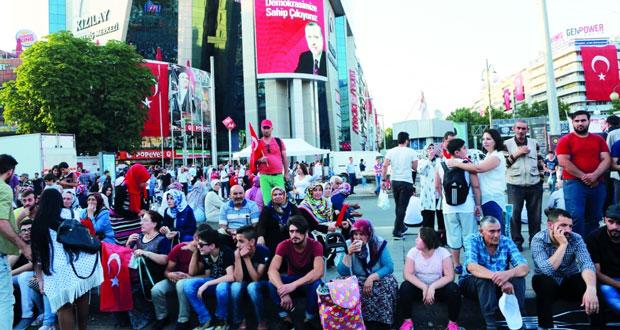 تركيا تعتزم تقسيم جهاز الاستخبارات إلى كيانين وتشكل لجنة تقصي للتحقيق في (الانقلاب)