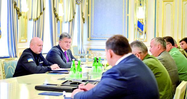 أزمة القرم: أوكرانيا تحشد قواتها في دونباس وتدريبات للبحرية الروسية في البحر الأسود