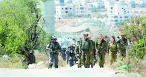 الاحتلال ينصب حواجز عسكرية على مداخل مخيمات وبلدات في الخليل
