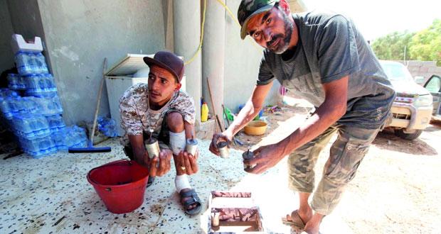 القوات الليبية تلاحق الإرهابيين بسرت وتصد هجمات انتحارية