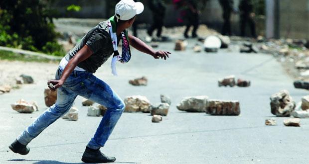 الاحتلال يشن حملة اعتقالات وإبعادات عن (الأقصى) ويستعد لاقتحامات ممنهجة غدا