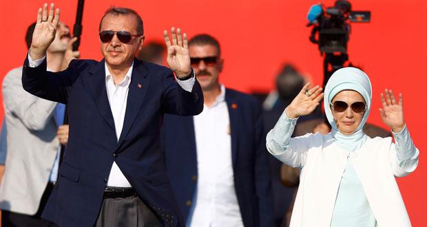 الأتراك يحتشدون في آخر تجمعات التنديد بالانقلاب الفاشل