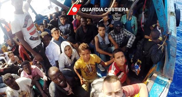 إنقاذ آلاف المهاجرين قبالة السواحل الليبية