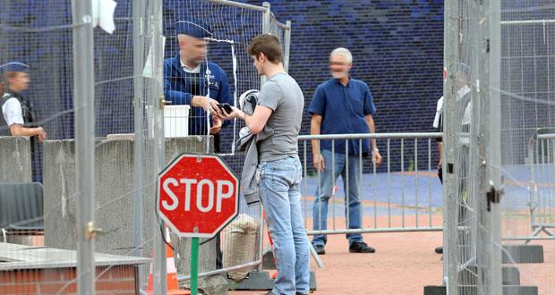 """بلجيكا تفتح تحقيقا في """"محاولة إرهابية"""" غداة الهجوم بساطور على شرطيتين"""