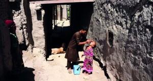 أفغانستان: 13 قتيلا في انفجارات بألغام أرضية والأمن يعلن تحرير عاملة إغاثة أسترالية مخطوفة