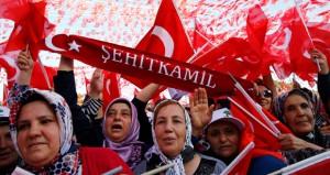 تركيا: ناسفة تقتل جنديًّا وصواريخ على مطار في ديار بكر