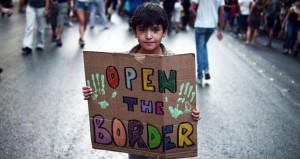 أزمة الهجرة: النرويج تخطط لترحيل آلاف طالبي اللجوء وتقيم سياجا على حدودها مع روسيا لمنع تدفقهم