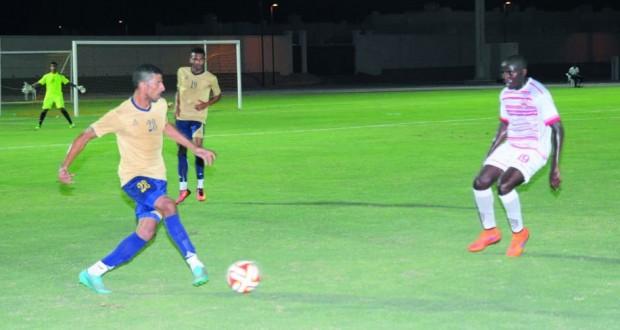 منتخب عمان العسكري لكرة القدم يكسب فريق نادي عمان