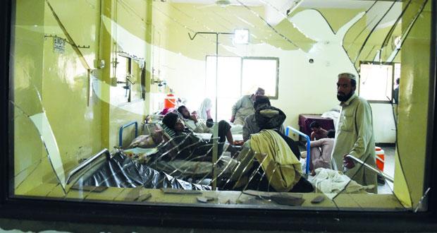 الإرهاب يحول مستشفى في باكستان إلى بركة دم