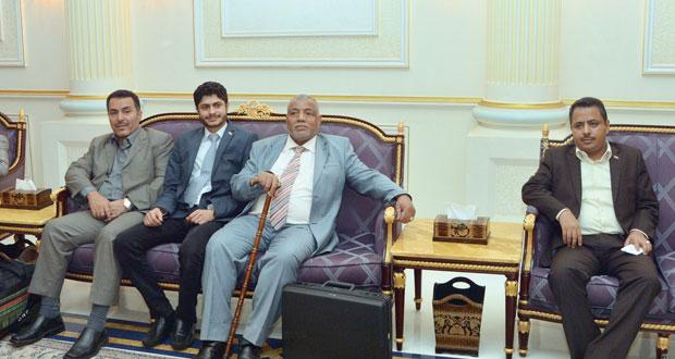 (أنصار الله) و(المؤتمر الشعبي) يثمنان مواقف السلطنة تجاه الأزمة اليمنية