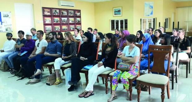"""محاضرة حول """"الحضارة العمانية"""" بكلية السلطان قابوس لتعليم اللغة العربية للناطقين بغيرها بمنح"""