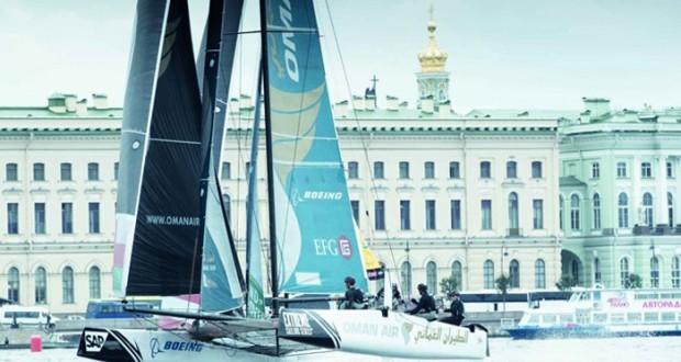 قارب الطيران العُماني يفتتح جولة الإكستريم الشراعية في بطرسبرج بالمركز الثالث