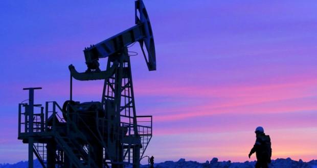 «الطاقة الدولية» تتوقع استمرار تخمة معروض النفط حتى النصف الأول من 2017
