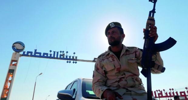 ليبيا: المؤسسة الوطنية الليبية تعلن بدء تصدير النفط .. وترقية حفتر لرتبة مشير