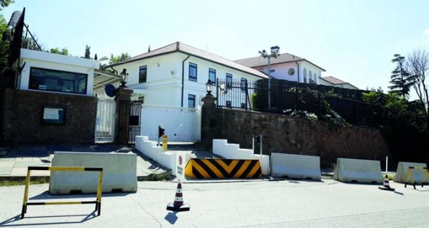 مقتل 9 من الأمن في هجوم للكردستاني وتهديدات لسفارات غربية