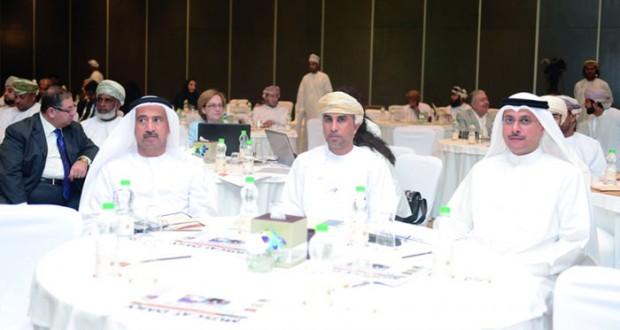 «استثمر في عمان» يختتم أعماله بالتأكيد على تسهيل الإجراءات وتعزيز الشـراكة بين الحكومة والقطاع الخاص
