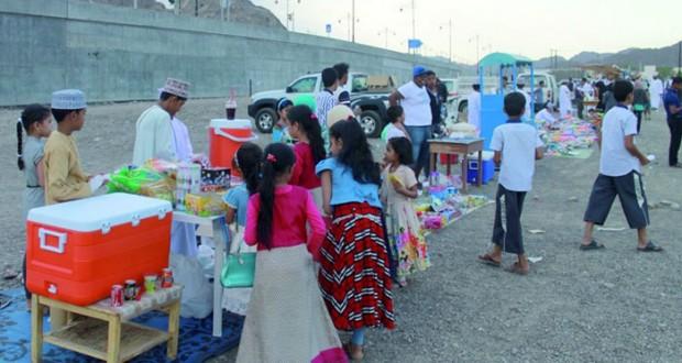 برعاية ( الوطن) إعلاميا: تواصل فعاليات ملتقى العيد السابع والذي ينظمه فريق المدّة التابع لنادي نـزوى لليوم الرابع على التوالي