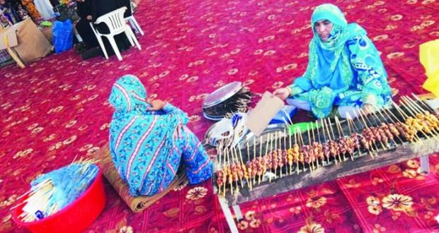 جمعية المرأة بقريات تُقيم خيمة للأُسر المُنتجة
