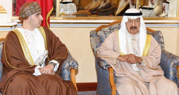 كامل بن فهد يتسلم جائزة العمل التطوعي من البحرين