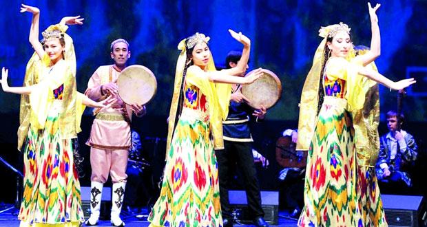 """""""الوطني للثقافة"""" الكويتي يقيم حفلا لفرقة """"زيبا"""" الفلكلورية الطاجيكية"""