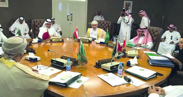 السلطنة تشارك في اجتماع لجنة رؤساء هيئات الأسواق المالية بدول المجلس
