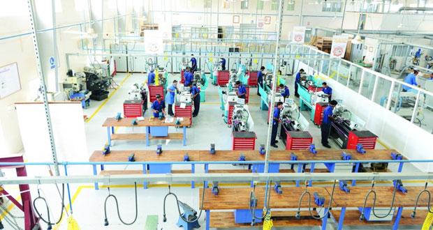 رئيس الاتحاد العام لعمال سلطنة عمان: إصدار قانوني العمل والتأمينات الاجتماعية الجديدين سيوجد الكثير من المعالجات بسوق العمل