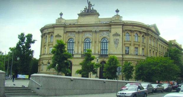 التعليم العالي تلتقي بالطلبة الجدد المبتعثين إلى جامعة وارسو البولندية