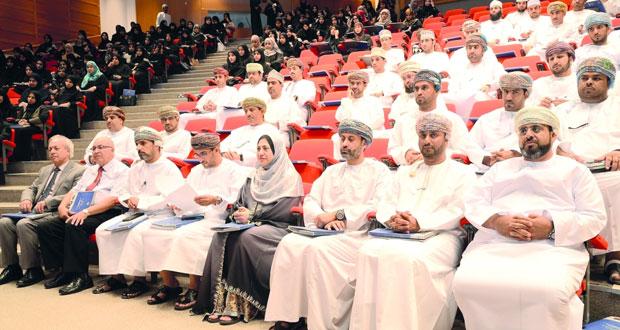 (891 ) عدد طلاب الدراسات العليا في جامعة السلطان قابوس .. هذا العام