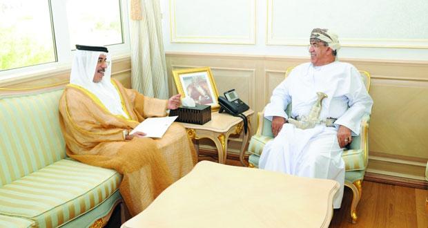 وزير الصحة يتلقى رسالة من نظيره الاماراتي
