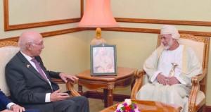 السلطنة وباكستان تبحثان تعزيز التعاون المشترك بينهما فـي مختلف المجالات