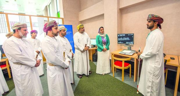 جامعة السلطان قابوس تفتتح مكتبة نور البصيرة