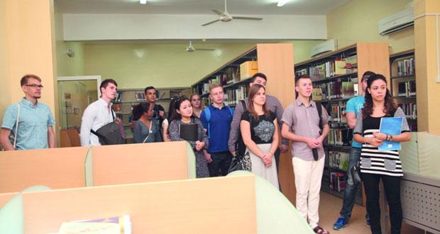 29 طالباً وطالبة من جنسيات مختلفة يلتحقون بكلية السلطان قابوس لتعليم اللغة العربية للناطقين بغيرها