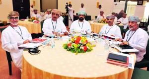 بمباركة سامية.. ديوان البلاط السلطاني يطلق أولى جلسات البرنامج الوطني للقيادة والتنافسية في القطاع الحكومي