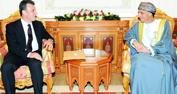 فهد بن محمود يتلقى رسالة خطية من دولة رئيس مجلس الوزراء اللبناني