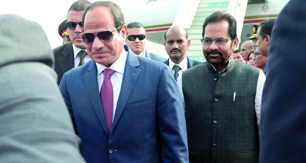الرئيس المصري يصل الهند أولى محطات جولته الآسيوية