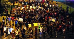 التظاهرات تتأجج في تشارلوت بعد نشر فيديو إطلاق النار