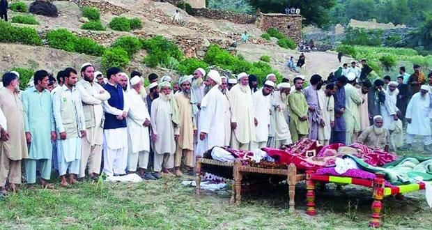 عدد ضحايا هجوم مسجد في باكستان يرتفع إلى 30