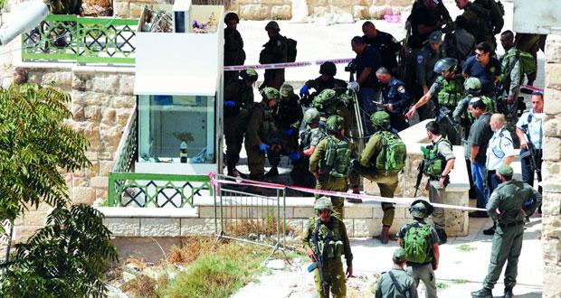 شهيدان بإعدام ميداني فـي الخليل والفلسطينيون ينددون بالتصعيد الإسرائيلي