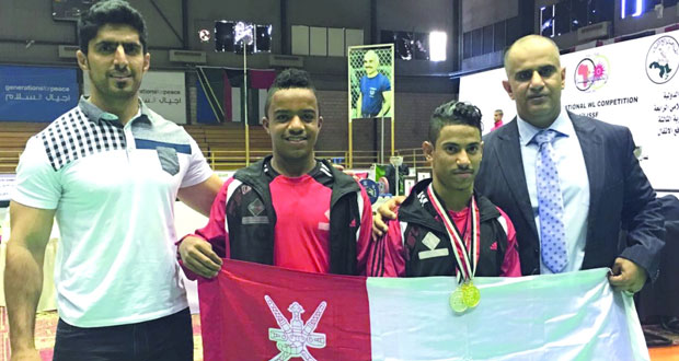 الرباع أحمد الحسني يحقق للسلطنة ذهبيتين وفضية في بطولة العرب بالأردن