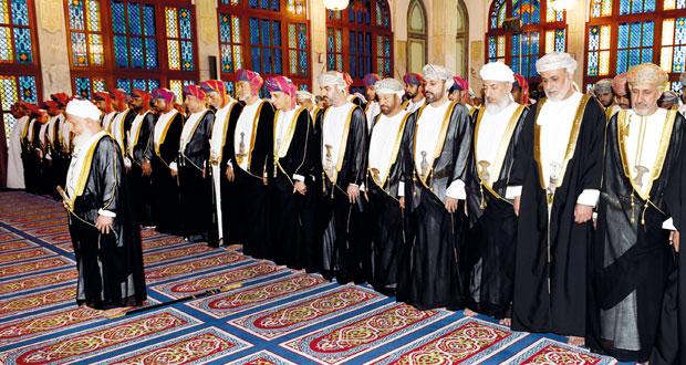 السلطنة تحتفل بأول أيام عيد الأضحى المبارك