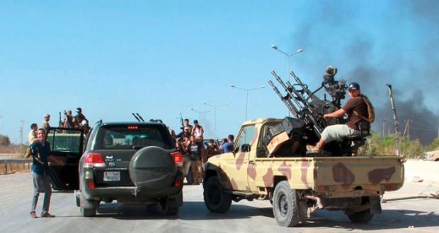 حكومتان وعدة فرق مسلحة.. مخاطر تفتت ليبيا تأتي من الداخل