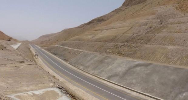 إنجاز 96% من المرحلة الأولى لمشروع طريق وادي منقال بولاية صور